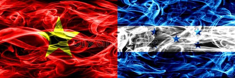 La république Socialiste du Vietnam contre le Honduras, drapeaux honduriens de fumée placés côte à côte Drapeaux soyeux colorés é illustration stock