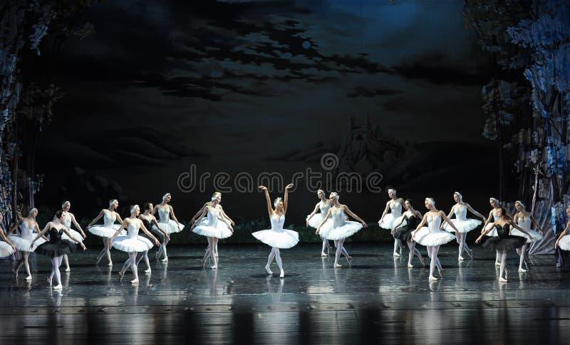 La résurrection du lac swan d'Ojta-ballet photos stock