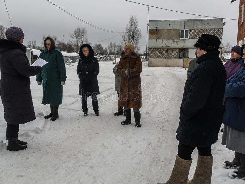 La réunion de l'administration et de la population dans la région de Kaluga en Russie photo stock