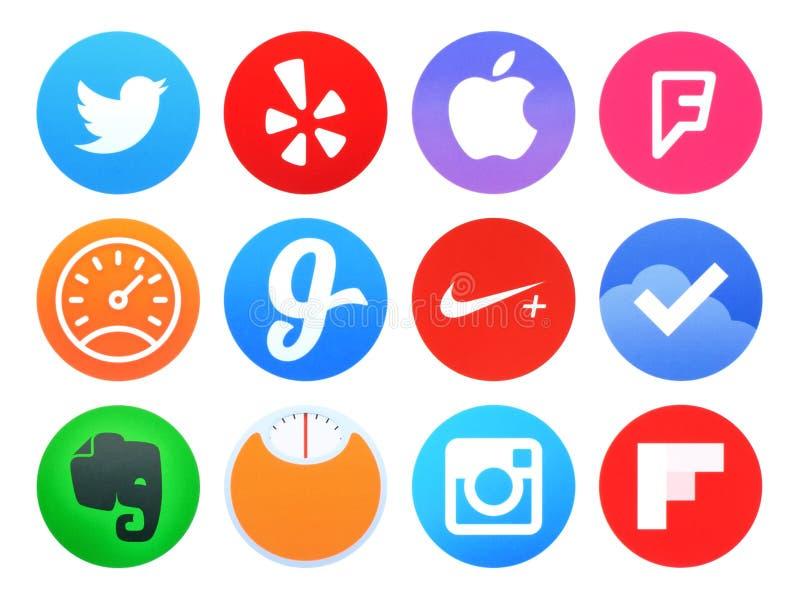 La raccolta delle icone dell'applicazione popolari dell'orologio di Apple ha stampato su carta illustrazione di stock