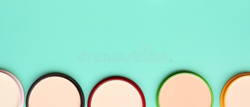 La raccolta di compone e cosmetico immagine stock