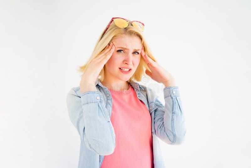 La ragazza alla moda ha sollecitato fotografia stock libera da diritti