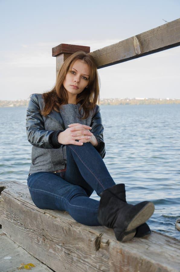 La ragazza - autunno. immagine stock