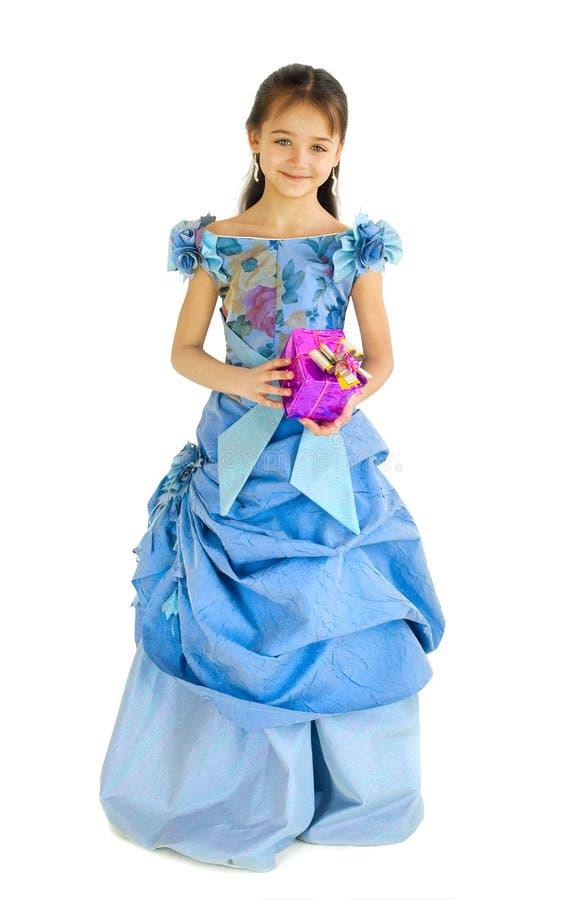 La ragazza con un regalo immagine stock