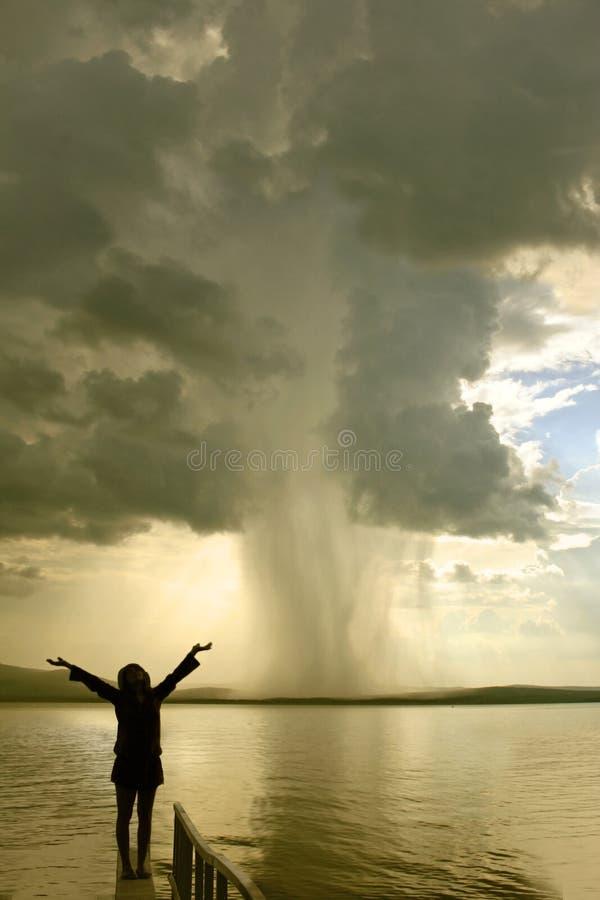 La ragazza della tempesta immagine stock