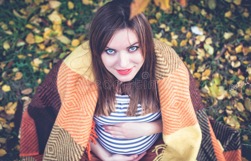 La ragazza incinta fotografie stock libere da diritti