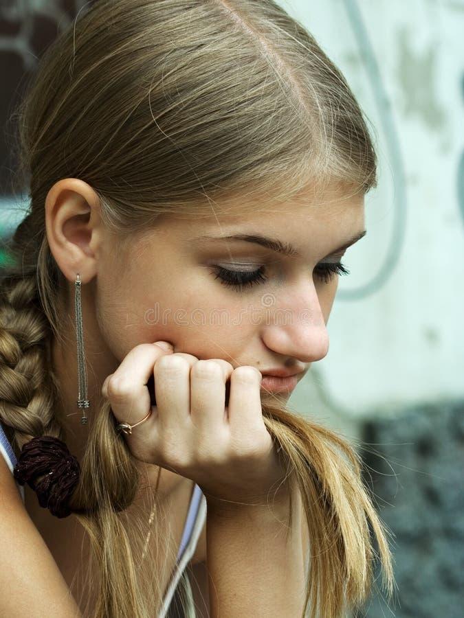 La ragazza triste di bellezza. fotografia stock