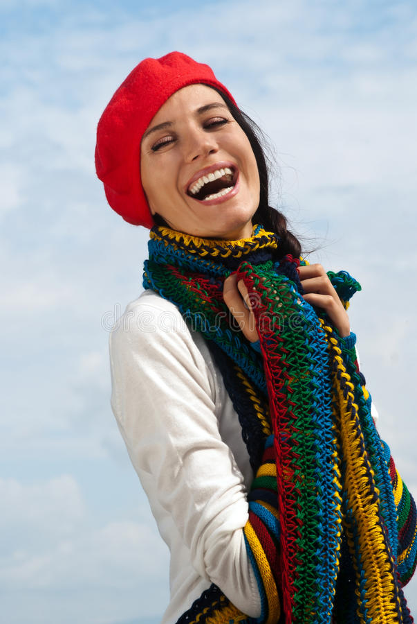 La ragazza in un berreto rosso immagine stock libera da diritti