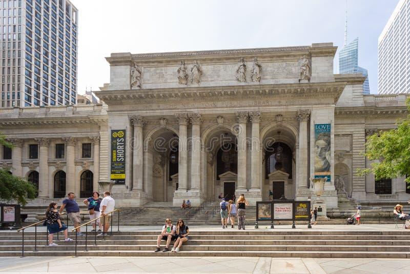 La rama principal de la biblioteca pública de Nueva York en Bryant Park, Manhattan fotografía de archivo libre de regalías
