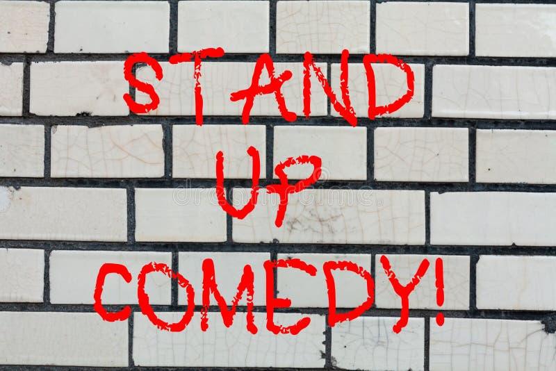 La rappresentazione concettuale di scrittura della mano sta sulla commedia Commediante del testo della foto di affari che esegue  fotografia stock libera da diritti