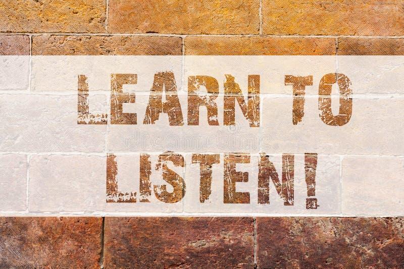 La rappresentazione del segno del testo impara ascoltare Foto concettuale capace di capire che cosa la rappresentazione vi dice d illustrazione di stock