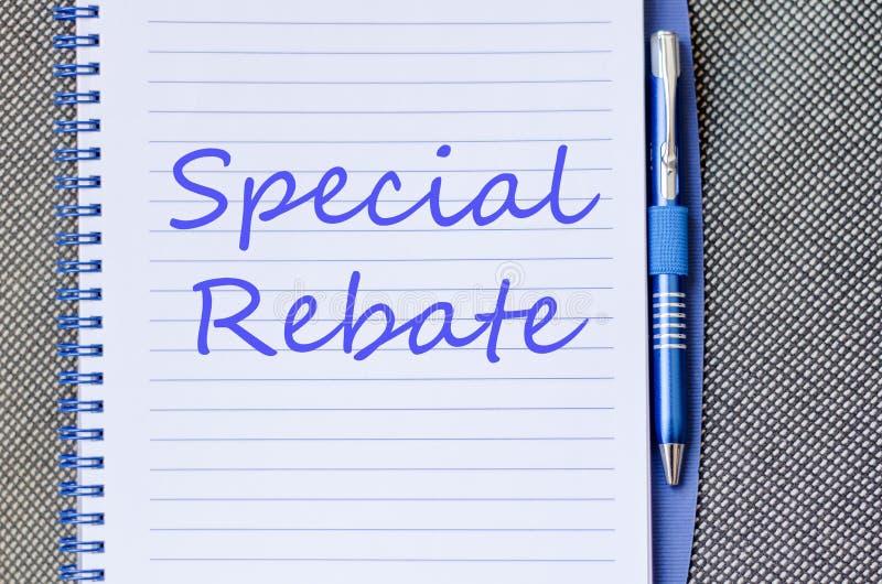 La rebaja especial escribe en el cuaderno fotos de archivo libres de regalías