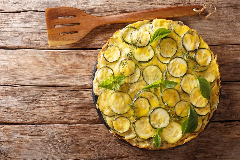 La receta para el scarpaccia salado es típica del Toscano Abra z imágenes de archivo libres de regalías