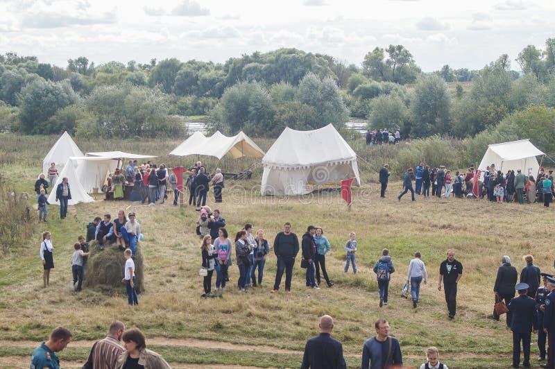 La reconstrucción de la vida del campo militar ruso y mongol del yugo Mongol-tártaro en la región de Kaluga de Rusia imagen de archivo libre de regalías