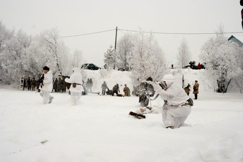 la reconstrucción Militar-histórica 'la brecha del bloqueo de Leningrad en el área del Nevskaya Dubrovka 'era i llevado a cabo imagen de archivo libre de regalías