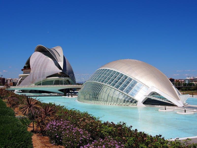 La regina Sofia Palace delle arti e il Hemisferic, città delle arti e delle scienze, Valencia fotografia stock libera da diritti