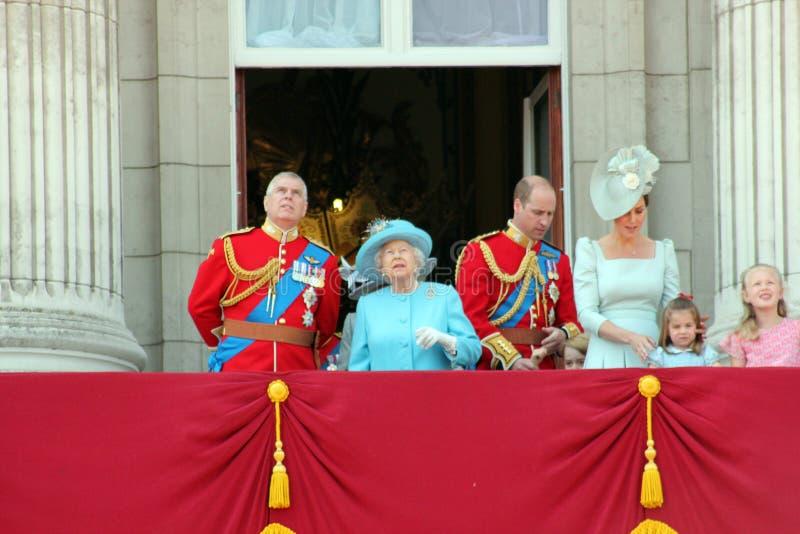 La Reine Elizabeth, Londres, R-U, le 9 juin 2018 - Meghan Markle, prince Harry, prince George William, Charles, Kate Middleton et image stock