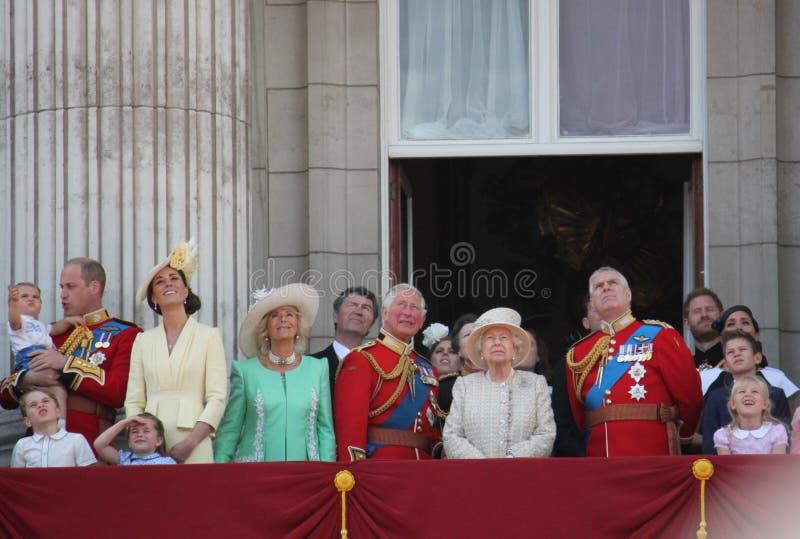 La Reine Elizabeth, Londres R-U, le 8 juin 2019 - la Reine Elizabeth Trooping la photo courante de presse de Buckingham Palace de images stock