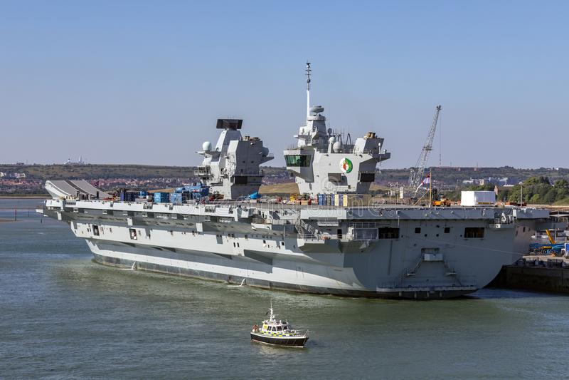 La Reine Elizabeth - marine royale de HMS - la Grande-Bretagne photo libre de droits