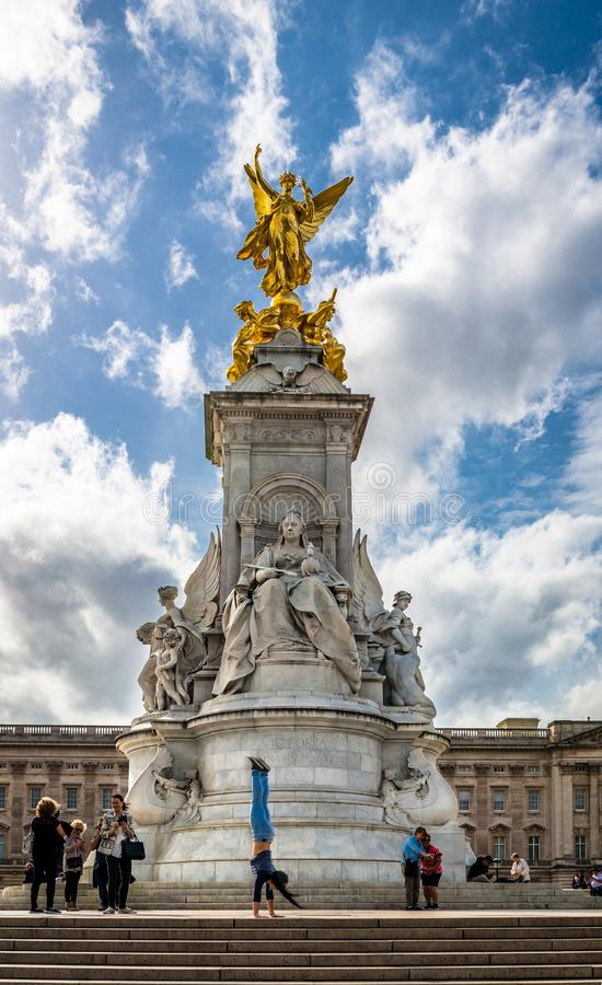 La Reine Victoria Memorial devant le Buckingham Palace photos stock