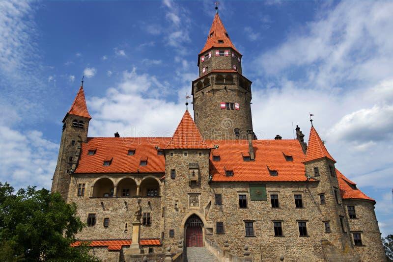 La repubblica Ceca di Bouzov del castello fotografia stock
