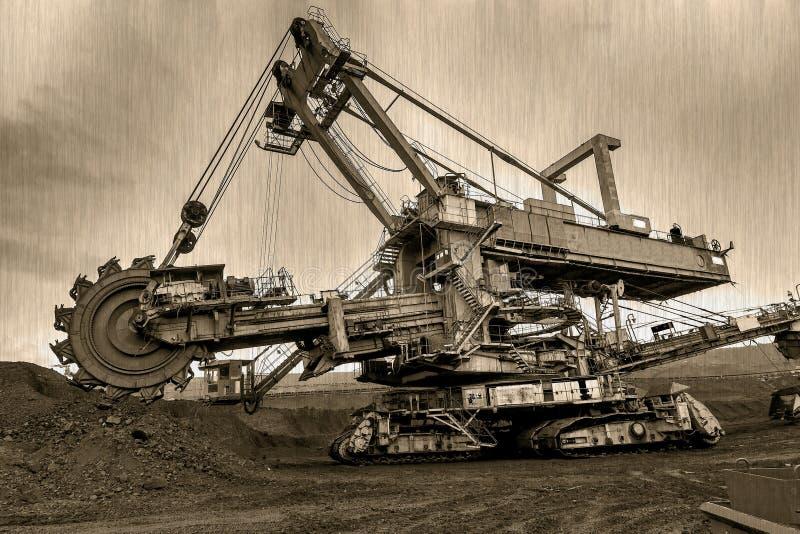 LA REPUBBLICA CECA, LA MAGGIOR PARTE - 23 SETTEMBRE 2015: Benna da scavo gigante, miniera di carbone Vecchia foto fotografia stock