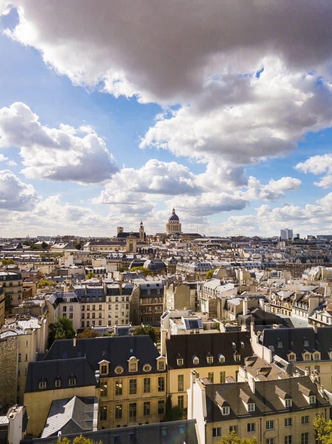La residencia nacional del Invalids en París foto de archivo libre de regalías