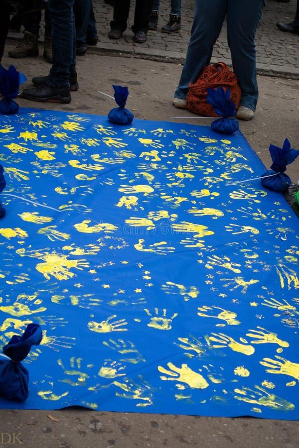 La riunione di massa dentro sostiene un eurounion immagini stock libere da diritti