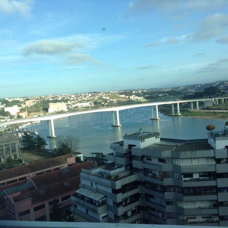La rivière de Douro vue d'un train photo stock