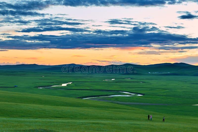 La rivière de muzigler sur la prairie de Hulunbuir photos libres de droits