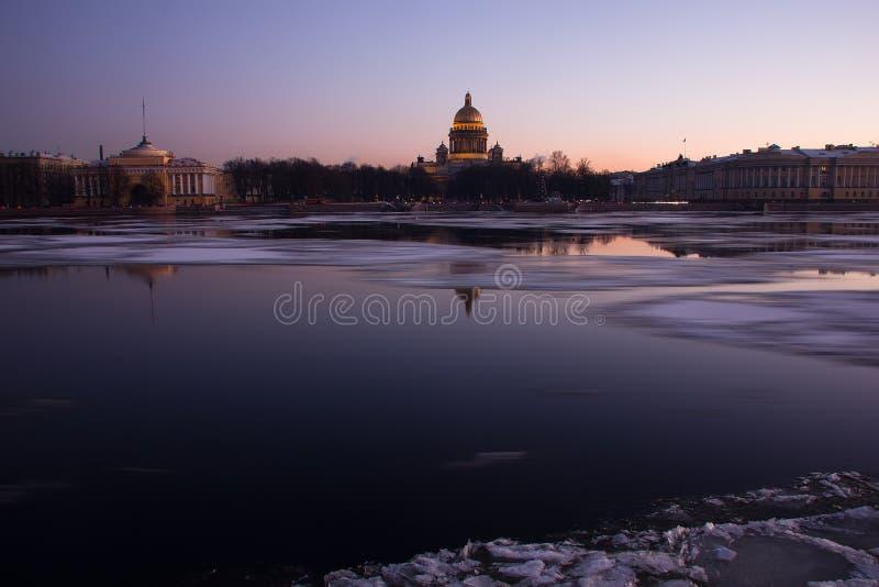La rivière de Neva, St Petersburg, Russie photo stock