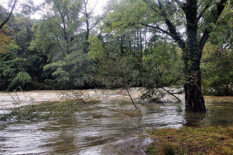Download La Rivière De Vidourle En Inondation Après Forte Pluie Image stock - Image du risque, catastrophe: 45350841