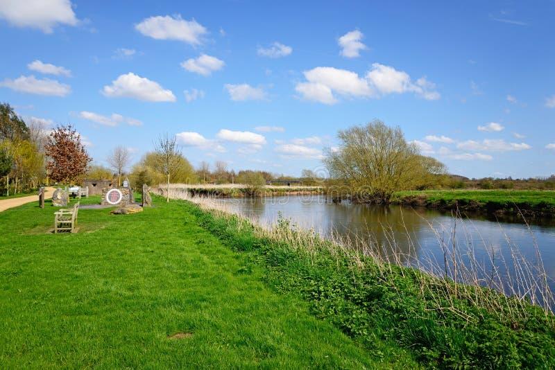 La rivière docile à l'arborétum commémoratif national, Alrewas images libres de droits