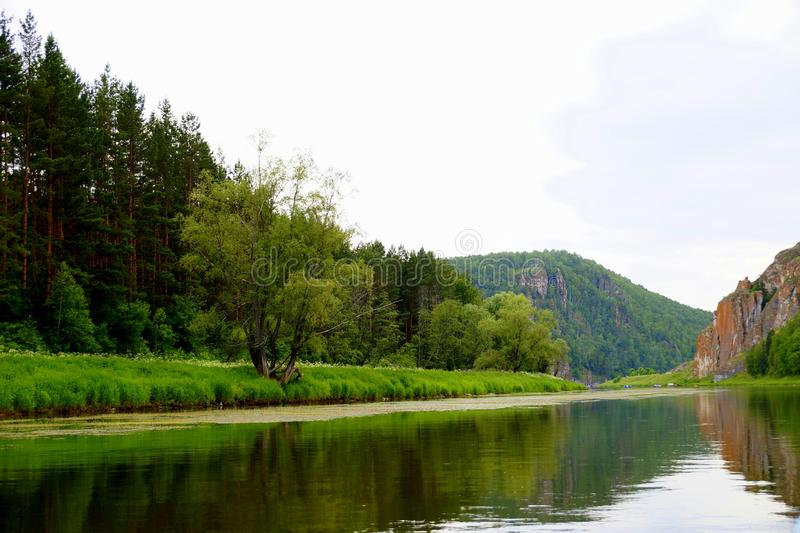 La rivière la plus pittoresque AI La Bachkirie ural photo stock