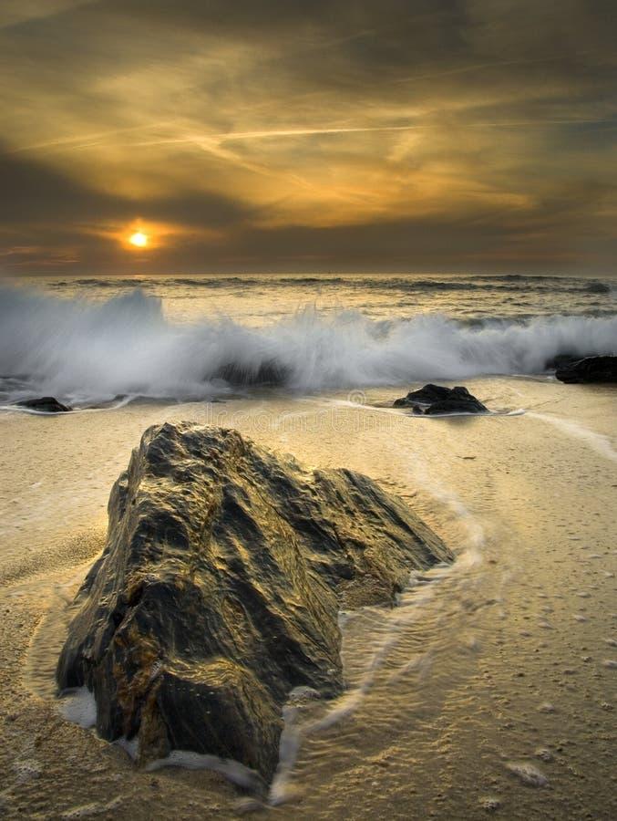 Download La roca foto de archivo. Imagen de tranquilidad, contra - 7285760