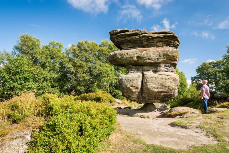 La roca del ídolo en perspectiva imagen de archivo libre de regalías