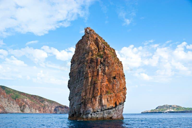 La roca sola fotografía de archivo libre de regalías