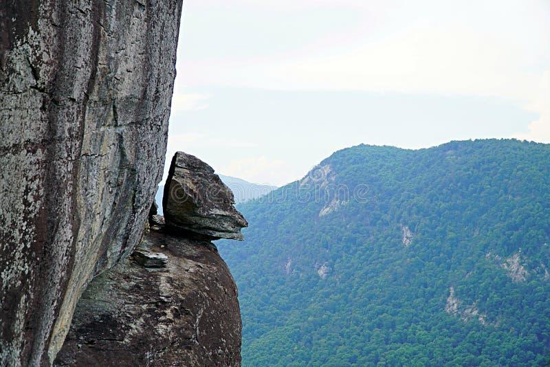 La roccia del camaleonte sopra la roccia madre fotografie stock