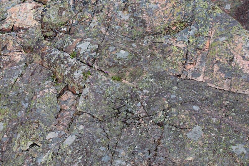 La roccia della montagna, immagini stock