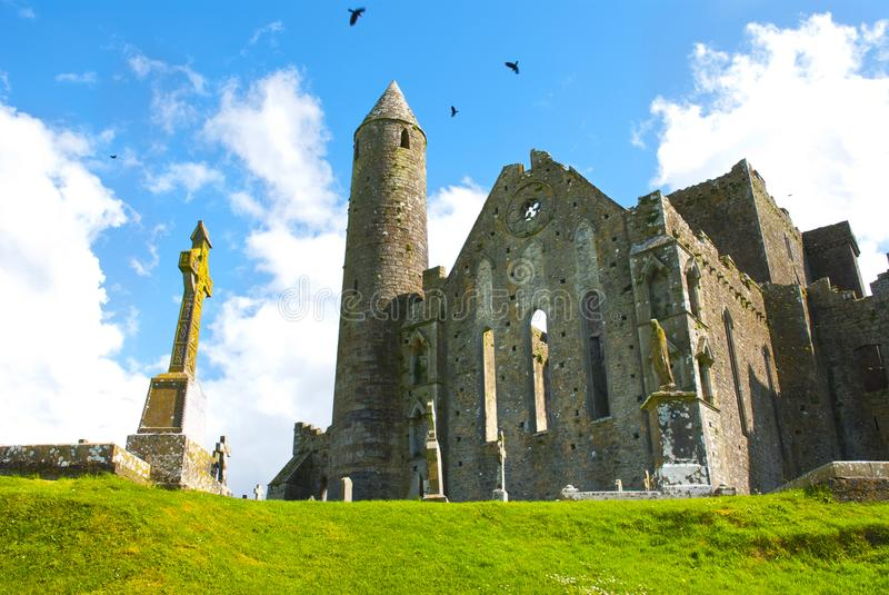 La roccia di cashel in Irlanda fotografie stock