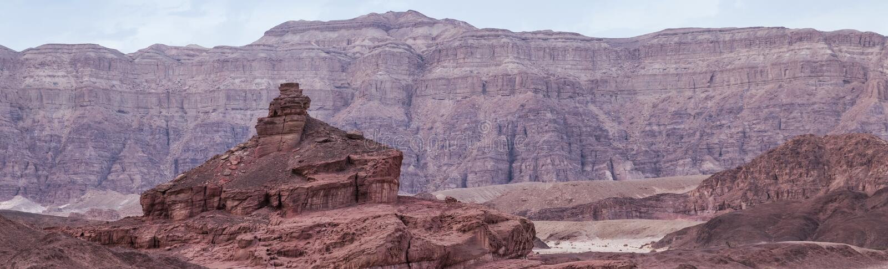 La roche a appel? la colline en spirale en parc national de timna photos libres de droits