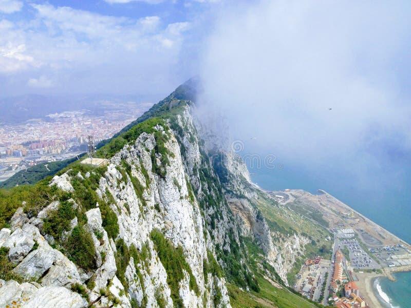 La roche de Gibralt, nuageuse photos stock