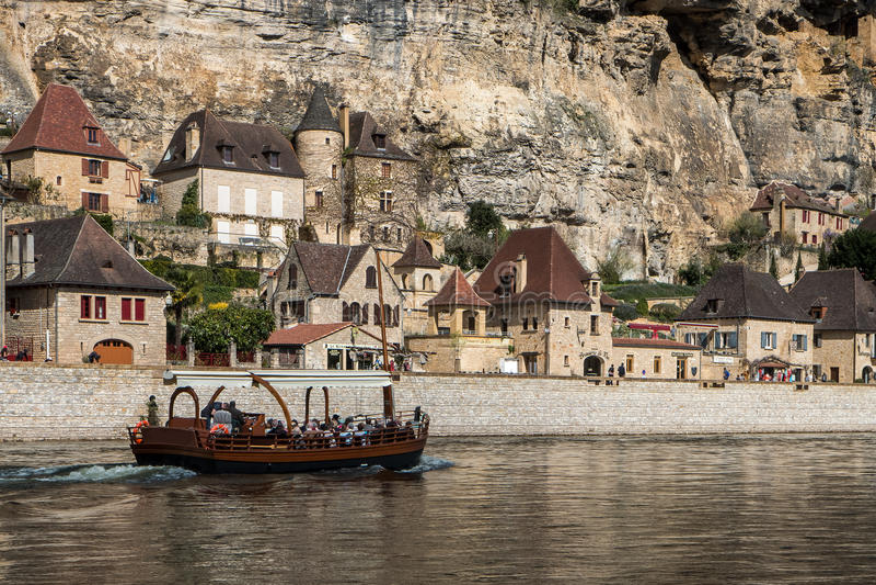 La Roque Gageac,多尔多涅省谷的法国村庄  免版税图库摄影