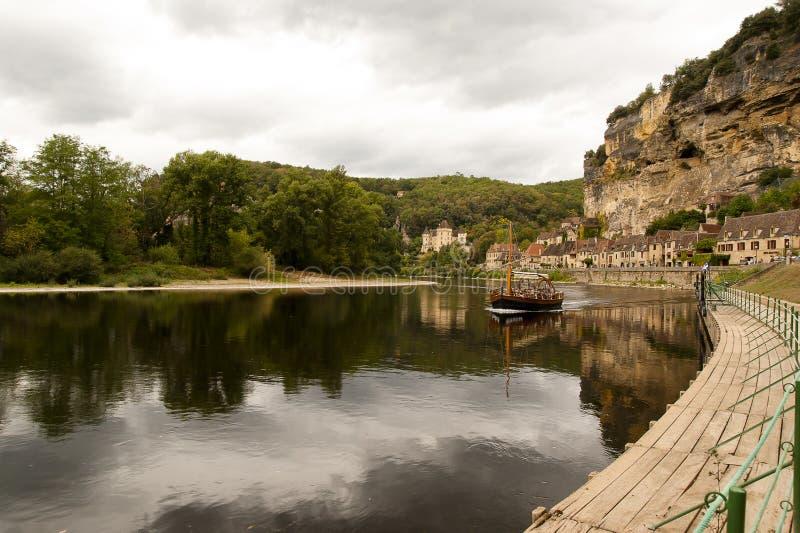 La Roque-Gageac e rio Dordogne fotografia de stock