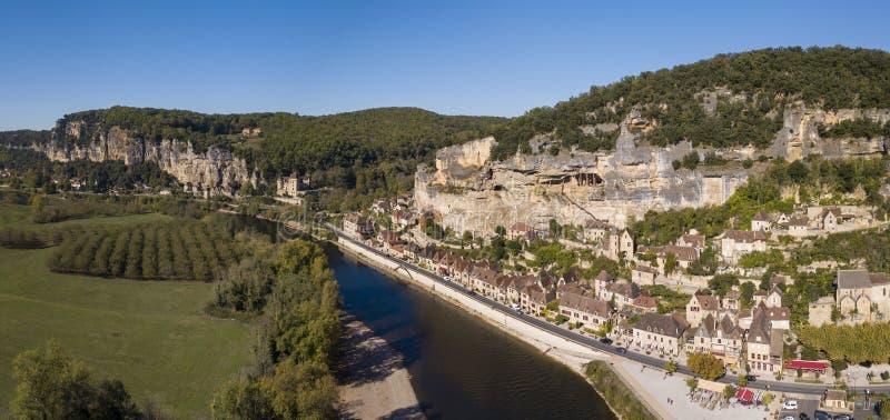 La Roque-Gageac, eins der schönsten Dörfer von Frankreich stockbild