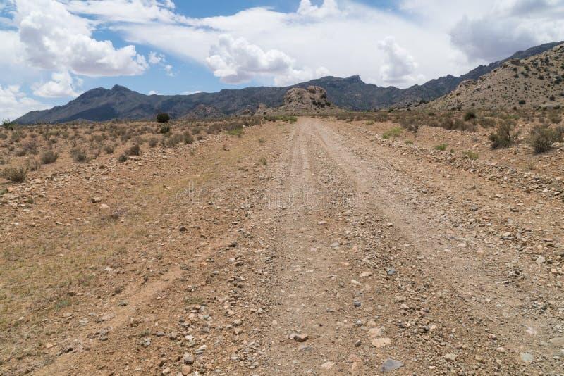 La route de Gap pr?s des montagnes de la Floride au Nouveau Mexique images stock