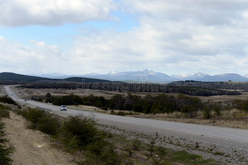Download La Route De Rio Grande à Ushuaia Image stock - Image du ciel, incendie: 77151515