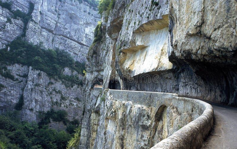 """La route des gorges appelées """"Grands Goulets de les dans le massif du Vercors, France image stock"""