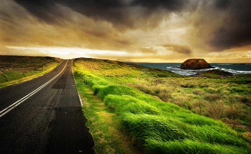 La route est longue images libres de droits