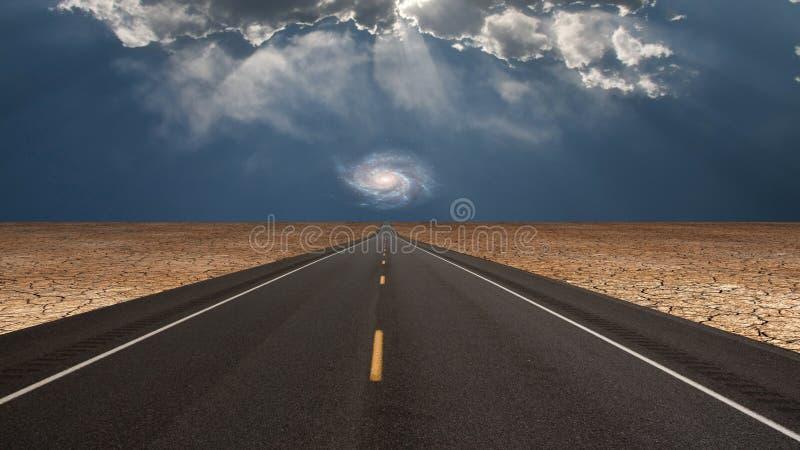 La route mène dans le désert vers la galaxie illustration libre de droits